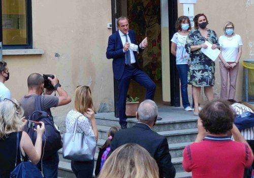 Primo giorno di scuola: gli auguri del sindaco Antonelli